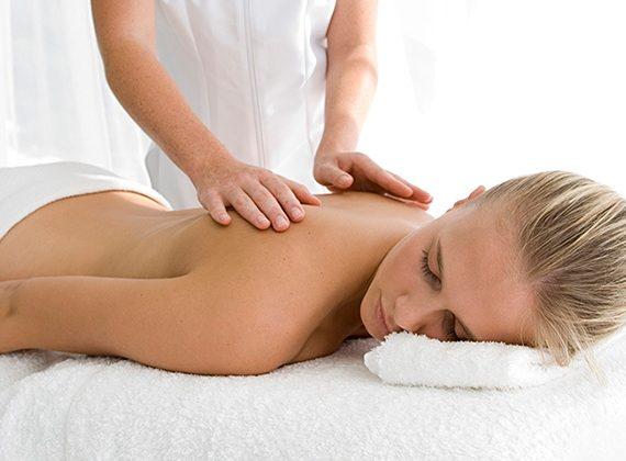 Klassisk-, Terapeutisk- eller Hot Stone Massage med Carina Raak Olsson