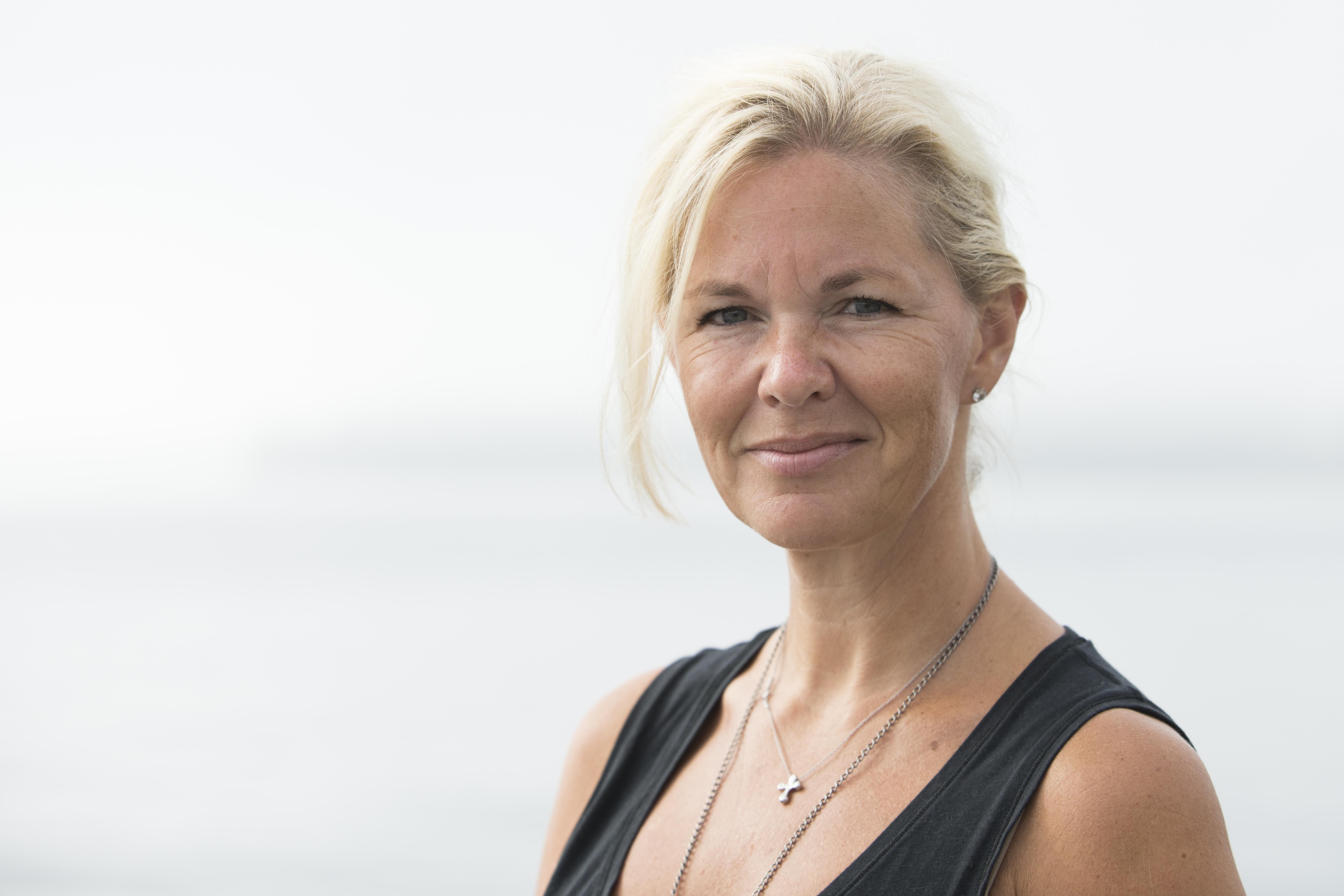 Anna F Åhlgren yogalärare på YogaMana Östermalm Stockholm