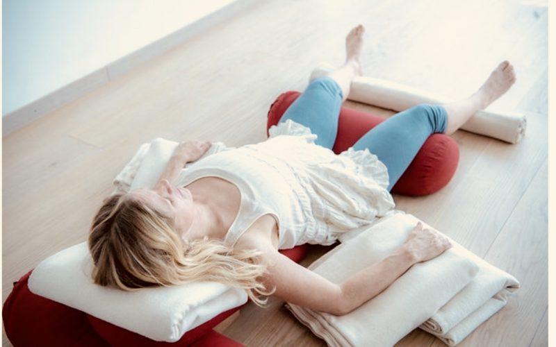 Djupavslappning med Restorative Yoga 3 timmar Lördag 16 mars kl 10-13!