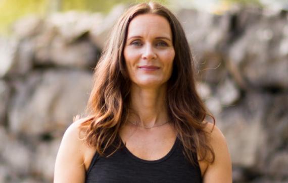 HORMONBALANS MED FUNKTIONSMEDICIN – Yoga, Kost & Livsstil – Sön 31 mars kl 10-13