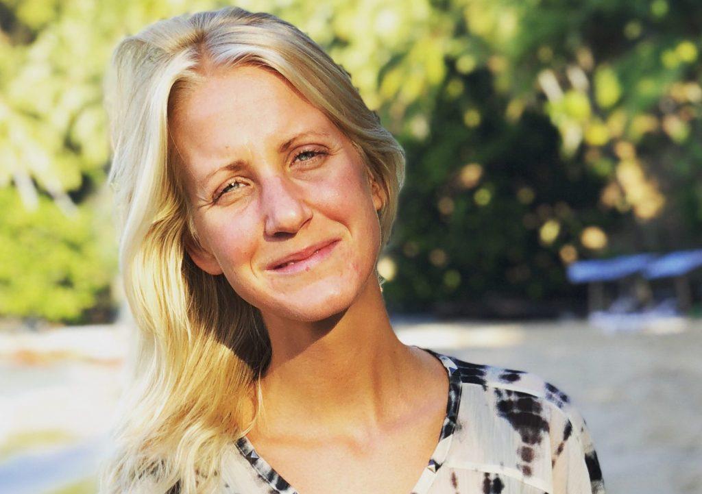 Martina Törnvall lärare i kundaliniyoga på YogaMana Östermalm i Stockholm