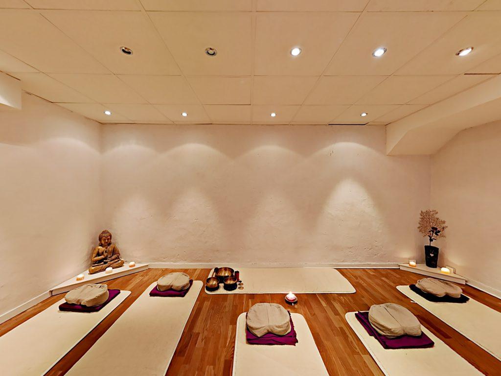 Prova på Yoga hos YogaMana Östermalm 25-30 aug 2019