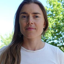 Emmi Kirkholt yogalärare YogaMana Sibyllegatan 67 StockholmÖstermalm