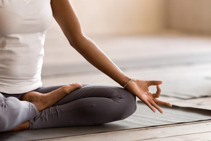 MediYoga Antistress på YogaMana Östermalm med Mikael Kolthoff