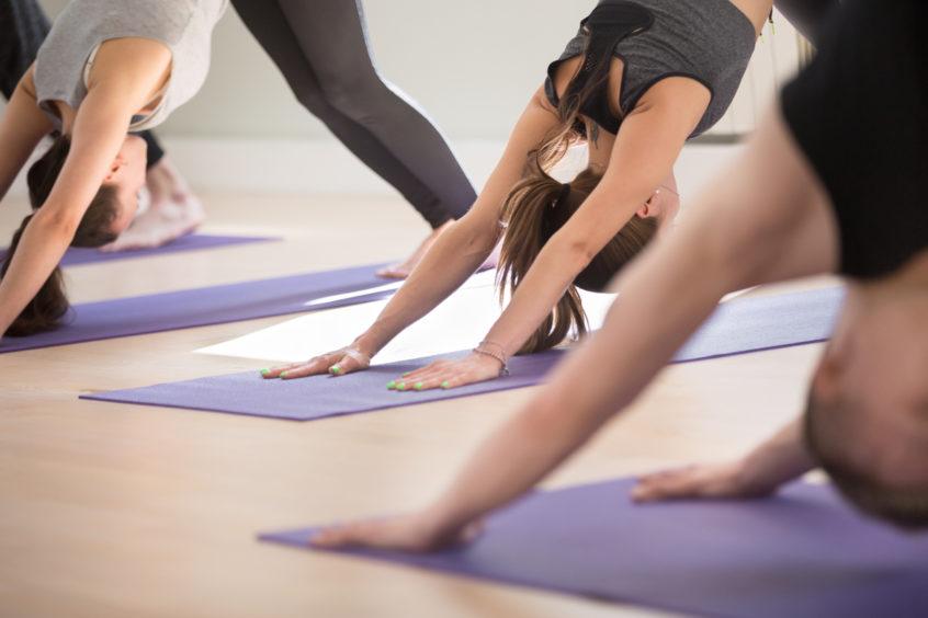 Slow Flow Yoga på YogaMana Östermalm i Stockholm