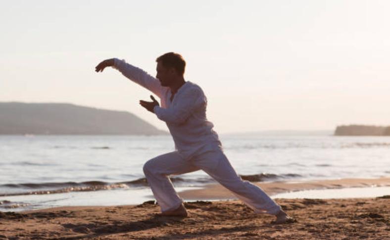 QiGong and Breathwork med Sebastian Monomosuke Törngren på YogaMana Östermalm