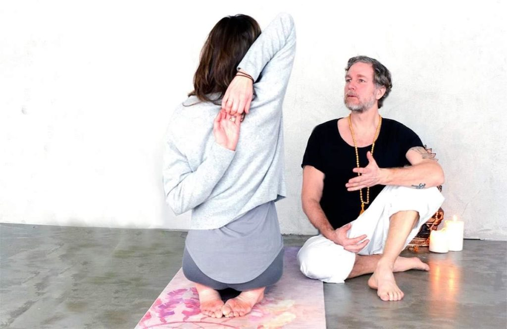 Ayurvedisk yoga med Fredrik Binette
